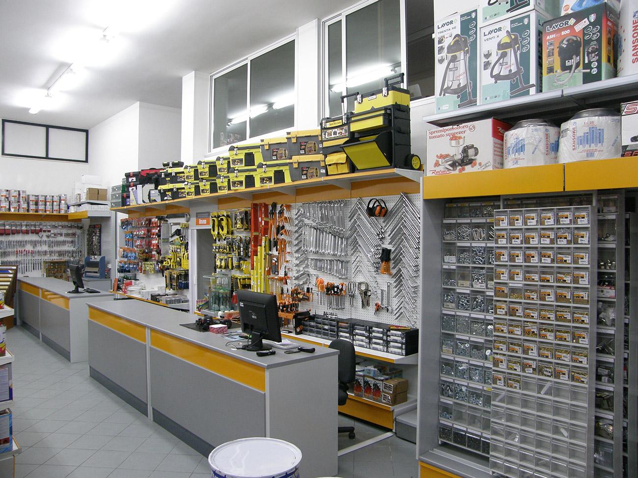 Arredamento aemlogistica for Arredamento vendita